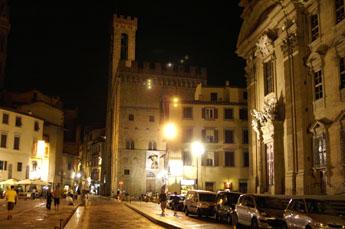Florence bezienswaardigheid in de omgeving van contignano in zuid toscane itali in de val d 39 orcia - Loggia verlicht ...